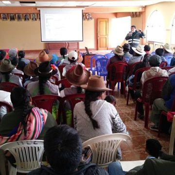 Capacitan a ganaderos de Coyllurqui para la prevención de brotes de rabia en herbívoros