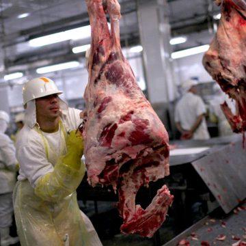 Producción de carne frenaría por coronavirus en Brasil