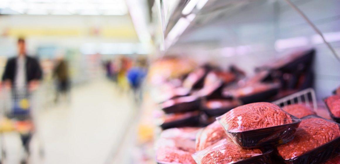 Reino Unido: Empresas cárnicas deberán pagar más por utilizar plásticos no reciclados en envases