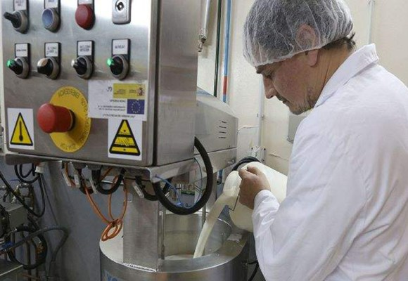 Presentan plataforma virtual para capacitar a productores de leche y derivados
