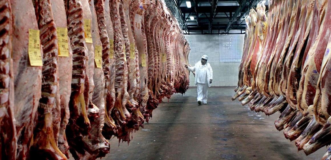 Argentina suspende exportaciones de carne bovina por 30 días